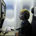 飛行機で背中や腰が痛くならないようにする対策にオススメグッズ