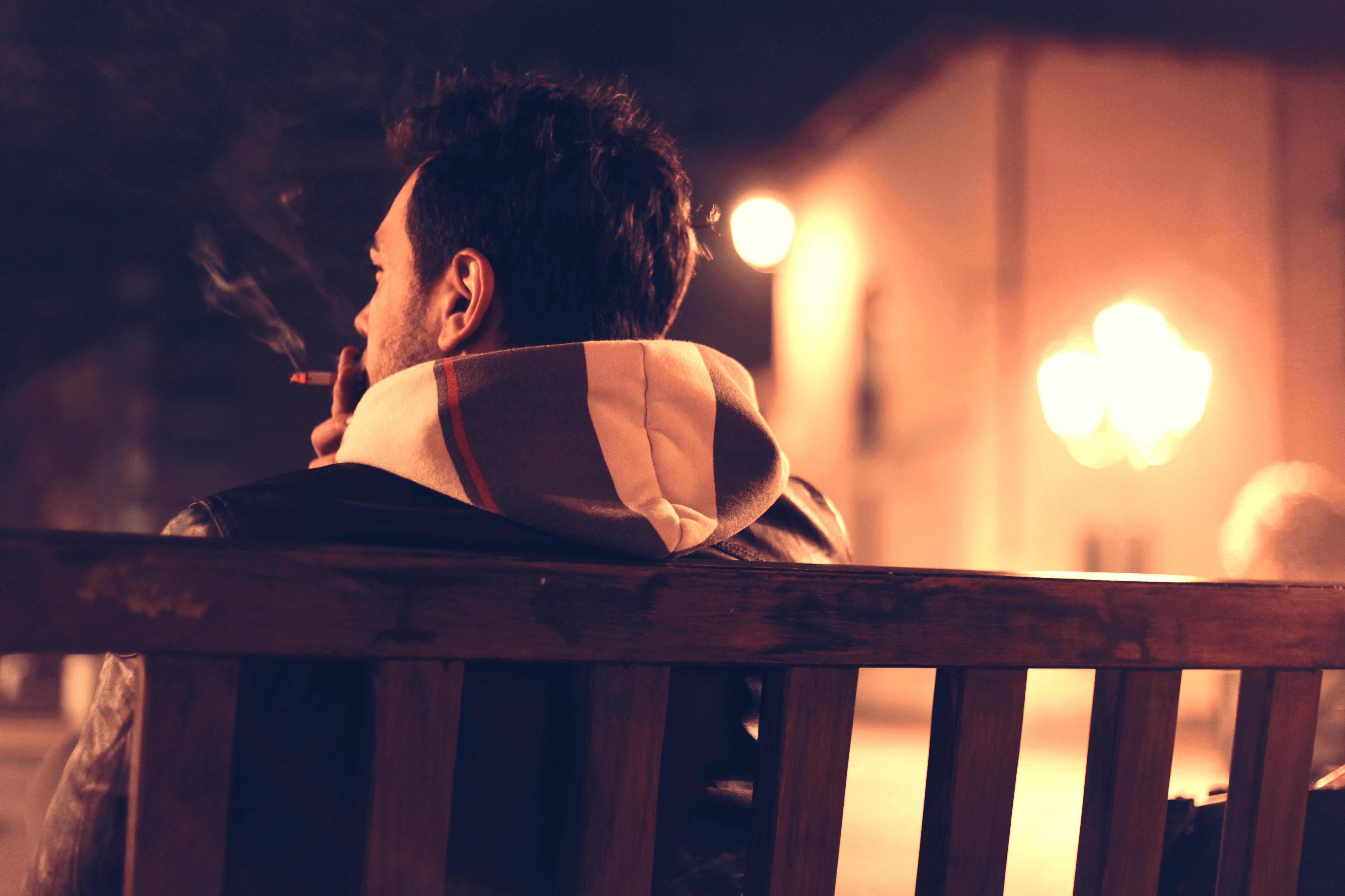 喫煙時と依存症時に脳内で起きている変化の原因から、自分なりにその対策を考えてみた。